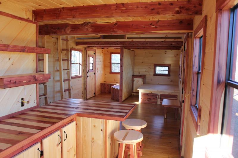 Trophy Amish Cabins Llc 12 X 32 Xtreme Lodge 648 S F